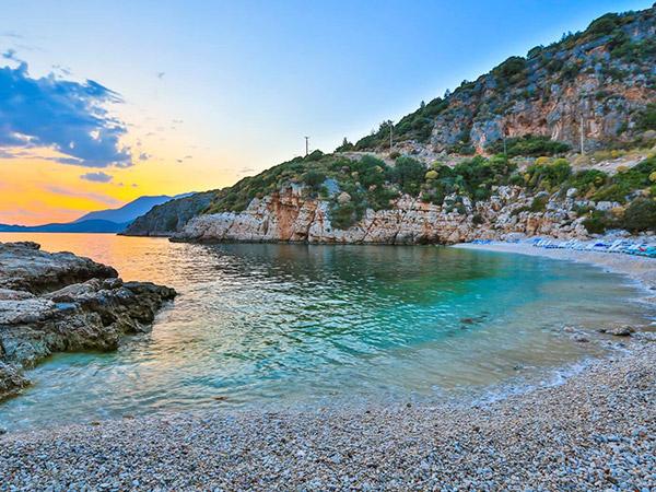Büyük Çakıl Plajı
